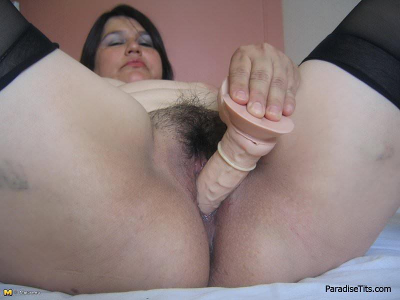 порно рука в пизде у толстушки