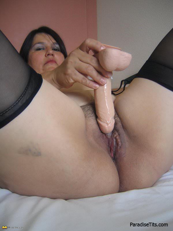 Мастурбация зрелых женщин рукой