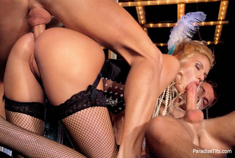 фото порно актрисы клаудия джеймсон групповуха член попке