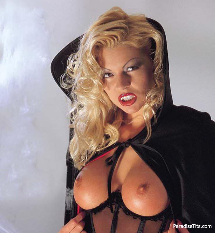 Девушки вампиры порнофото смотреть онлайн в hd 720 качестве  фотоография