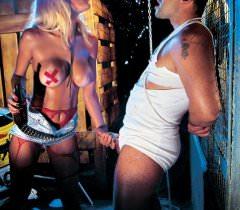 Бесплатные фото жесткого секса втроем с чудесной блондинкой