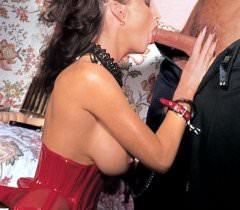 Развратные фото трахающейся порно актрисы и её ненасытного самца