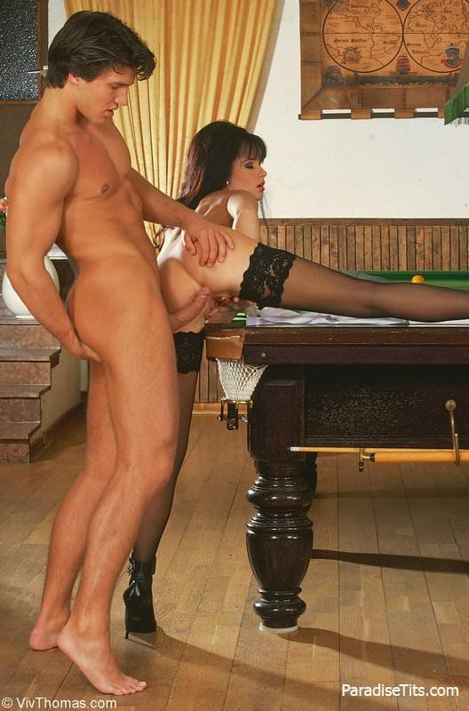 анальное порно на бильярдном столе сиськи ротик