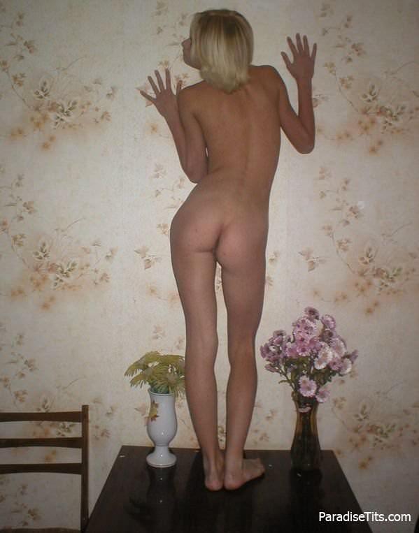 Голая худая частные фото