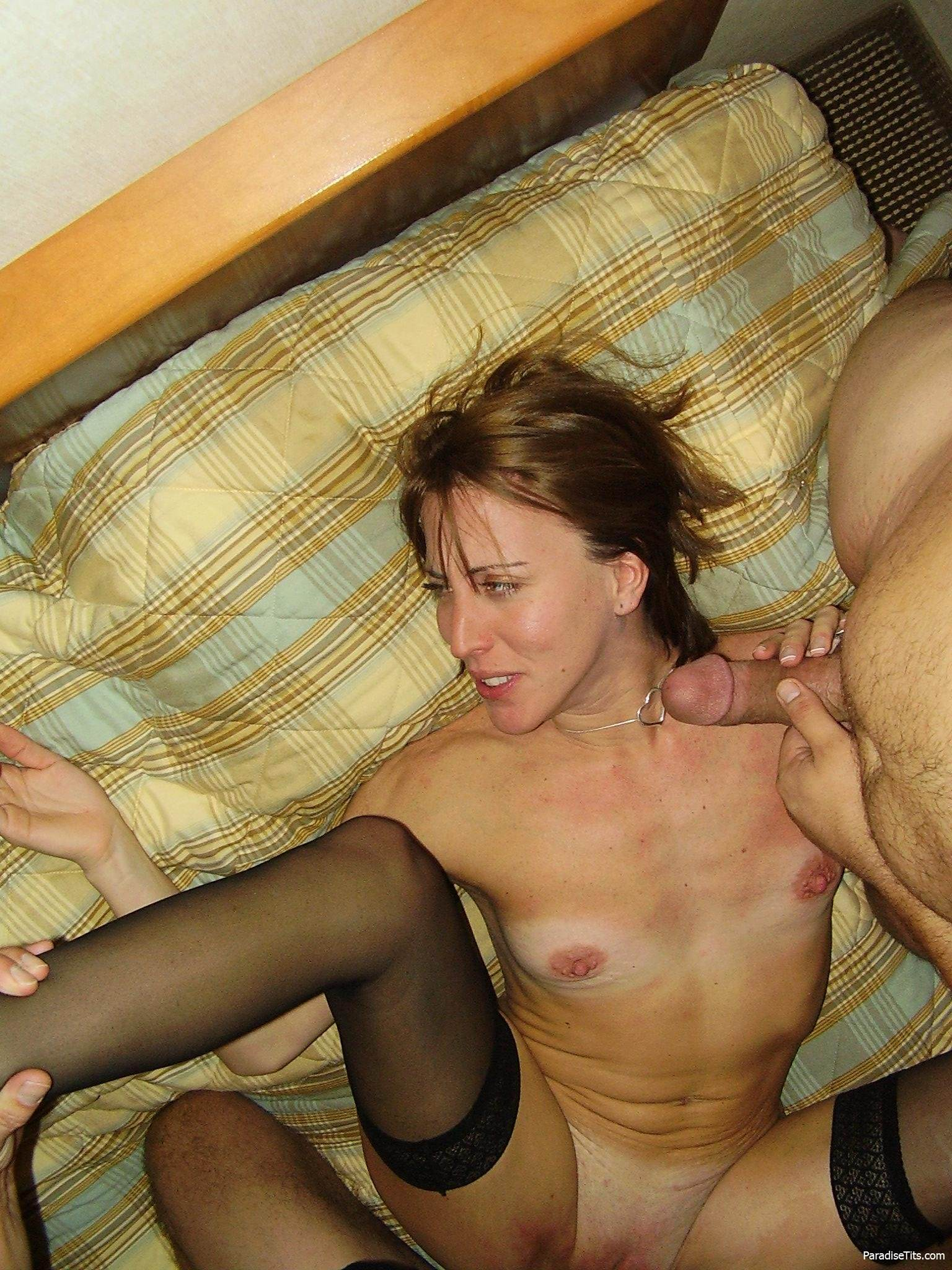 Порно жена изменяет мужу в командировке