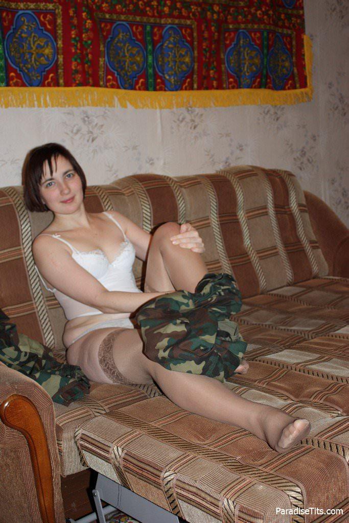 Порно фото: русская домашняя волосатая пизда: https://paradisetits.com/2409-domashnie-porno-foto-russkoy-devushki-s-volosatoy-pizdoy.html