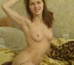 На частных домашних порно фото русские телочки откровенно обнажаются и трахаются