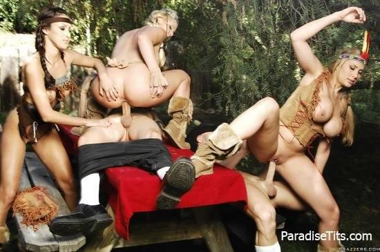 Три молодые индианки дико ебутся с двумя парнями в лесу на лучших порно фото