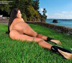 Бесплатные эротические порно фото, на которых можно с наслаждением посмотреть на голую крошку