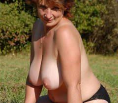 Крутые порно фото, где зрелая тетка трахается с молодым типом