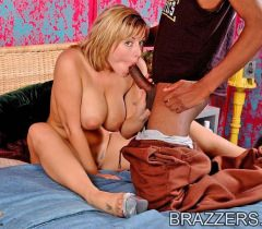 На сладких порно фото от Бразерс ненасытная сучка отсосала у негра и трахнулась